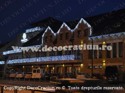 iluminat festiv craciun led exterior turturi luminosi